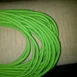 Grünes Stoffkabel