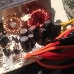 ATX Netzteil mit krummen Kondensatoren